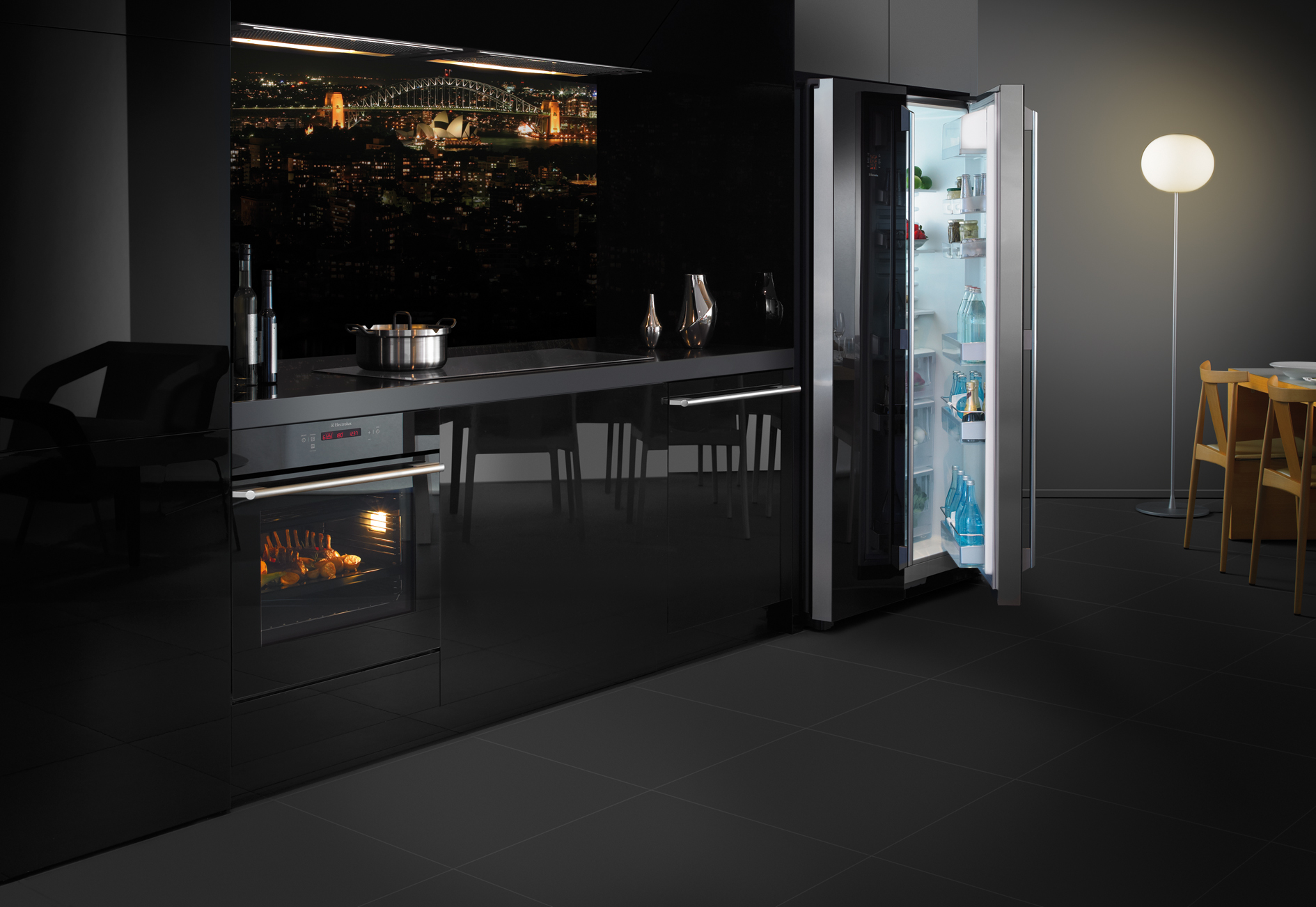 Bringing Sexy Black Kitchen Style Trends From Europe