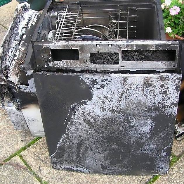 What Not To Put In Your Microwave And Other Tips To