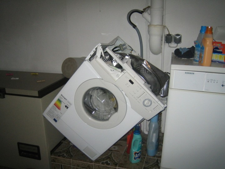 Washing Machine Troubleshooting ~ Common washing machine problems and how to solve them