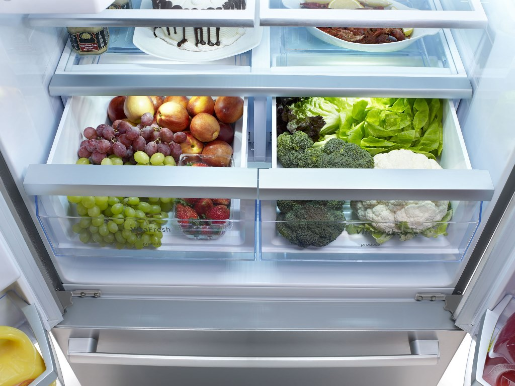 Jun 06,  · The drawer for vegetables should be kept at a higher humidity since vegetables dry out very quickly (ever leave a baby carrot out too long?). The drawer for fruits should be kept at a lower humidity. For tips about how to use your refrigerator's crisper drawers, refer to Reviews: