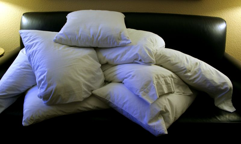Pile_of_pillows source: https://commons.wikimedia.org/wiki/File:Pile_of_pillows.jpg
