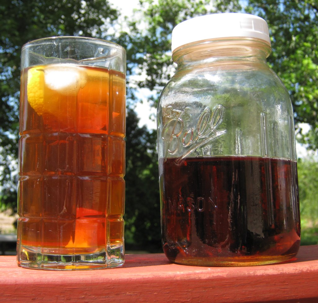 sun tea brewed in mason jar source: https://www.flickr.com/photos/allthingsmichigan/3663765600